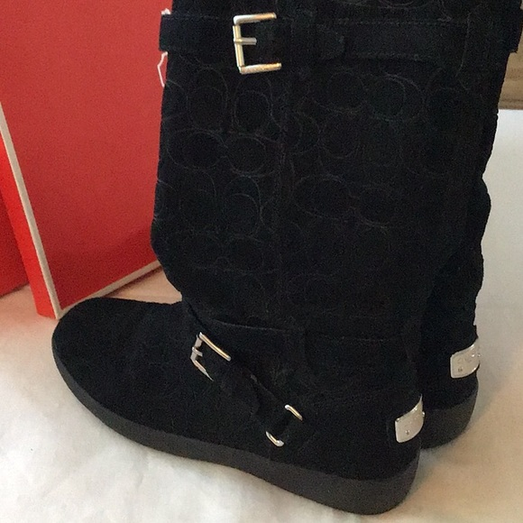 COACH BLACK SUEDE BOOT. SIZE 8.5M. NEW. EXLT COND